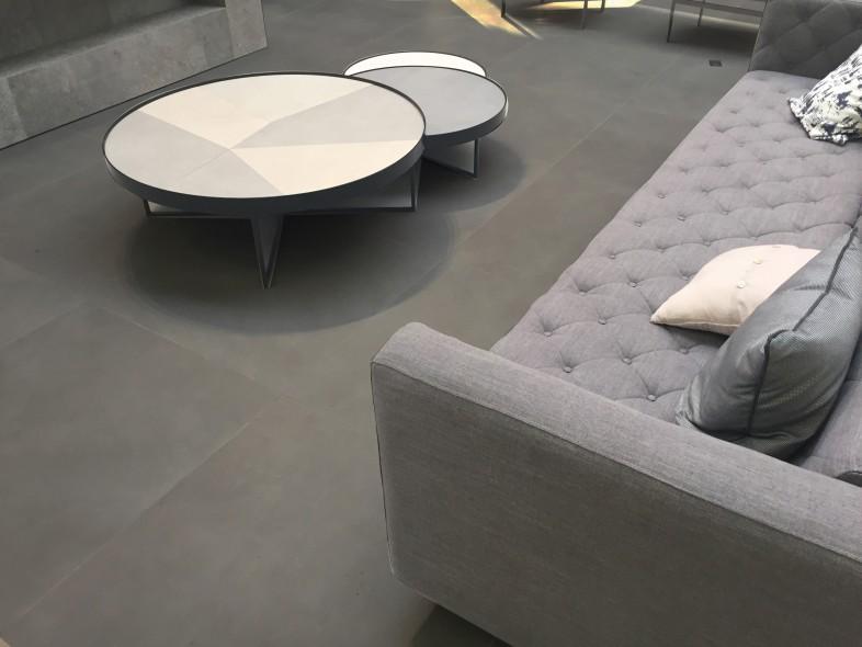 impermo grijze moderne keramische tegel in trendy betonkleur ook in extra groot formaat
