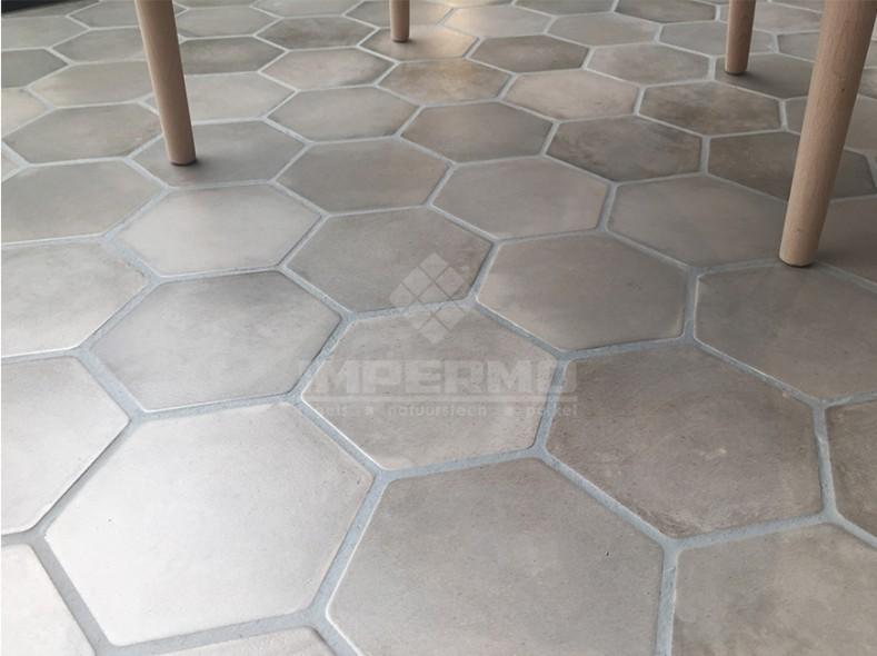 Zeshoek cemento woonkamer - Imitatie cement tegels ...