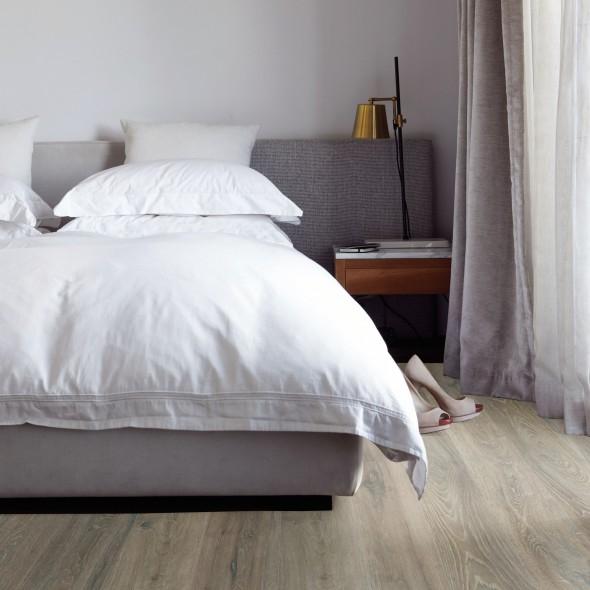 impermo onderhoudsvriendelijke lichtbruine kliklaminaat met realistische houttekening voor je slaapkamer