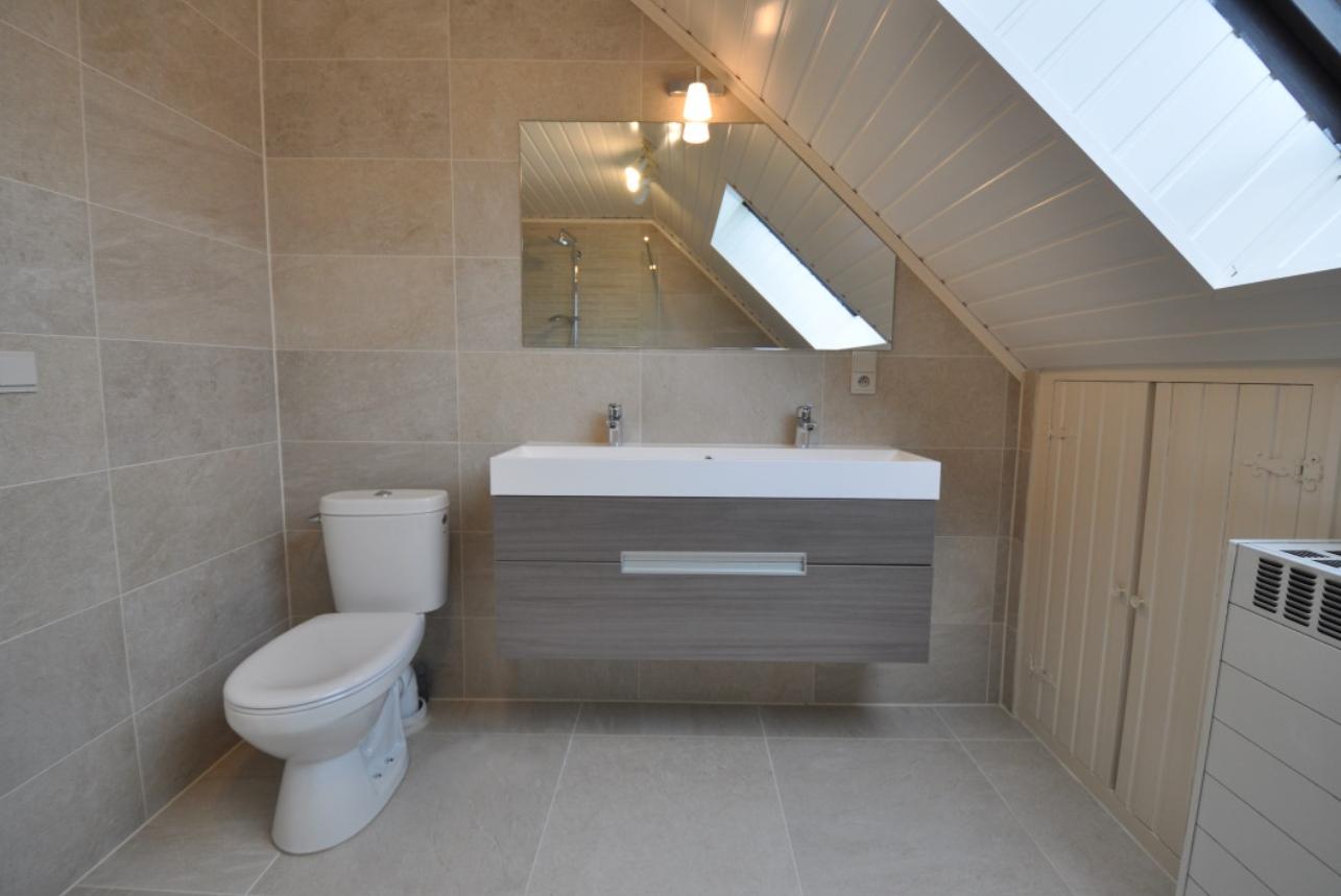 Badkamer renovatie - Winkelruimte met een badkamer ...